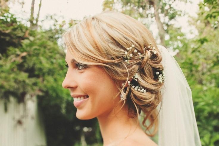 Baby's breathe wedding hair